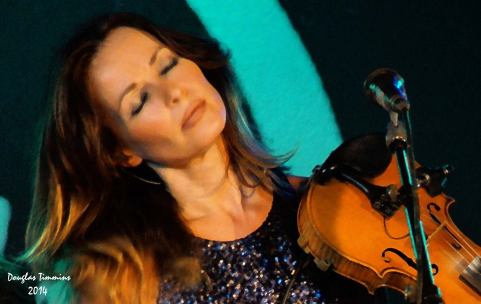 This is the lovely Irish singer Sharon Corr singing solo tonight in Oran Mor.